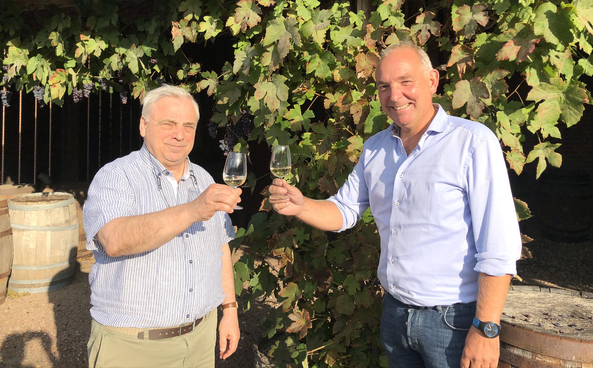 Toonaangevende wijnimporteurs en logistiek dienstverlener slaan de handen ineen